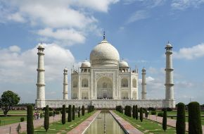 ALL IZZ WELL—Fly to India from PHP11,000 roundtrip!